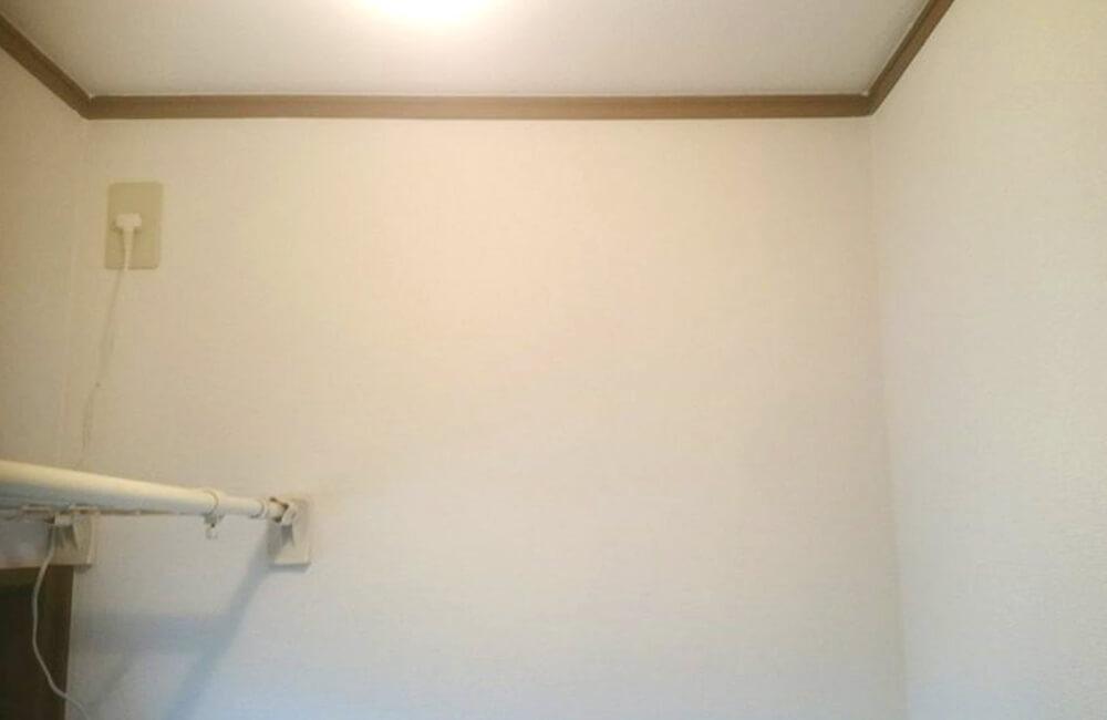 部屋のクロス張替後の壁